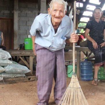 128 лет живет в Таиланде дед