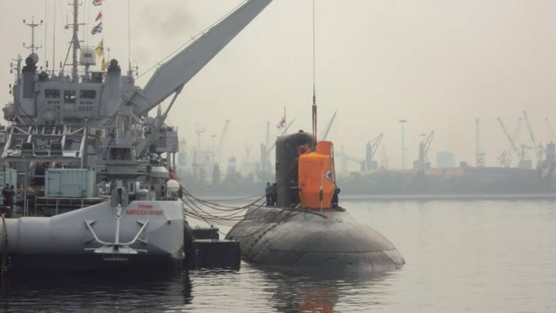 Советская подводная лодка «Варшавянка» беспокоит Таиланд