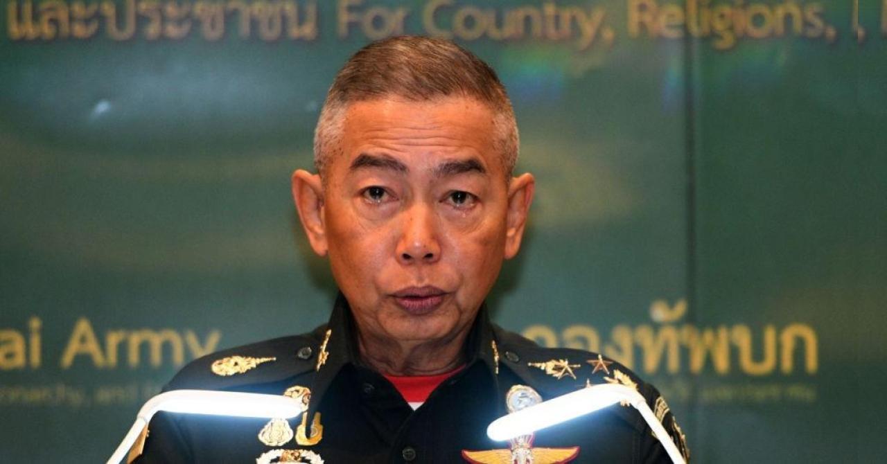 Бывший начальник армии Таиланда ушёл в монахи