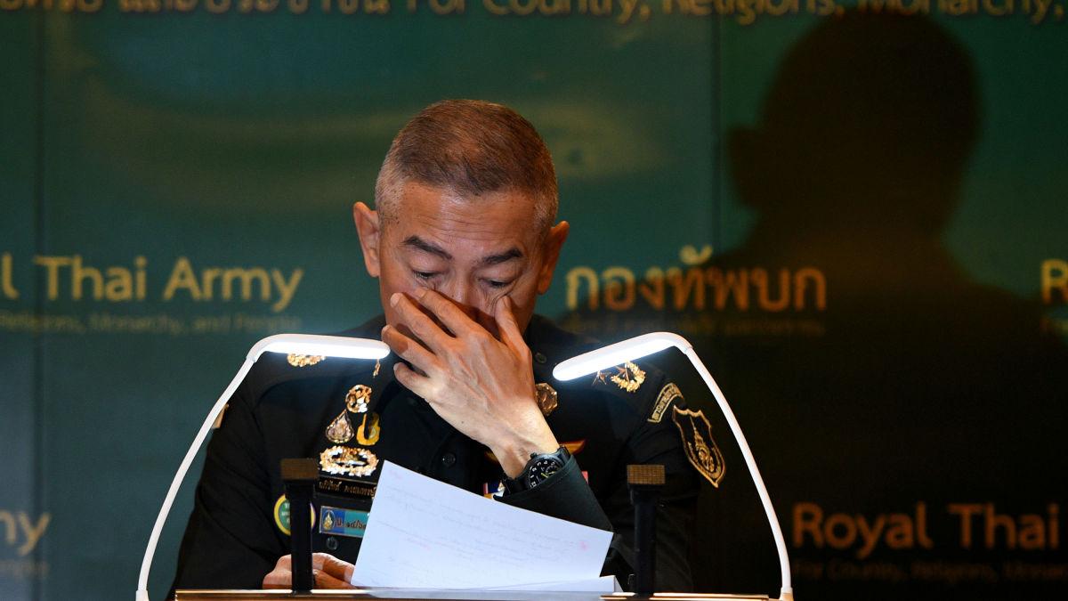 Главнокомандующий армией Таиланда со слезами на глазах извинился за действия солдата