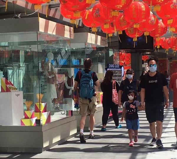 В Бангкоке разыскивают иностранца, который попрошайничает, используя разных детей