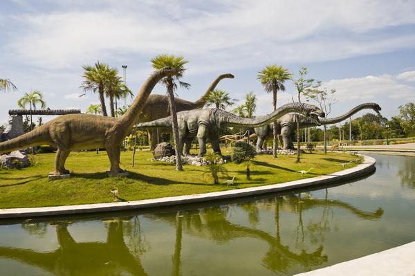 Музей динозавров в Таиланде — что посмотреть в провинции Кхонкэн