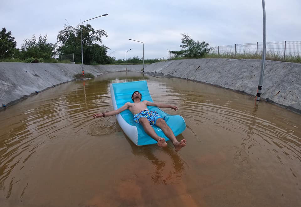Как привлечь внимание к дорожной проблеме — лайфхак из Таиланда