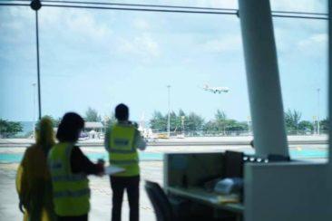 Первые туристы прилетели прямым авиарейсом на Пхукет