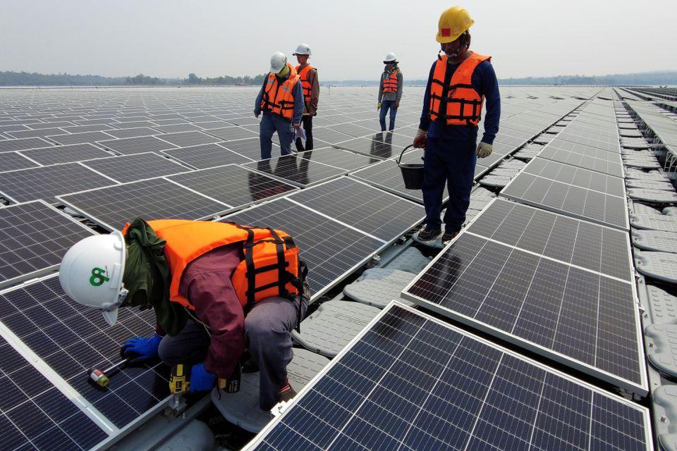 Таиланд делает ставку на энергию солнца и воды
