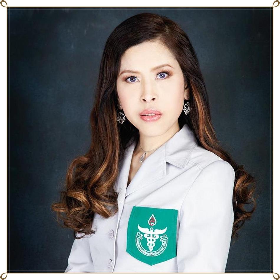 Правительство Таиланда не справляется с пандемией, король принимает меры