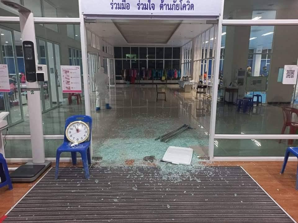 Вооруженное нападение на ковидный госпиталь в Таиланде