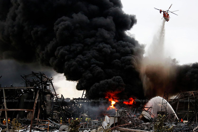 Последствия пожара на химзаводе в Бангкоке угрожают отравить город