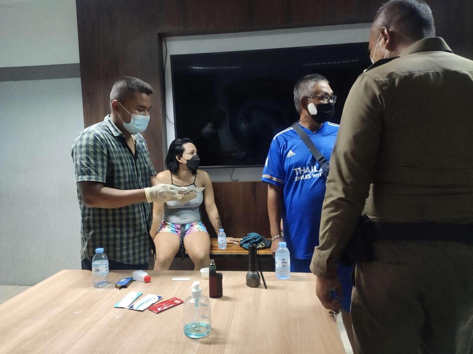 Арест с комфортом — трансвестита в Паттайе доставили в полицию на собственном авто