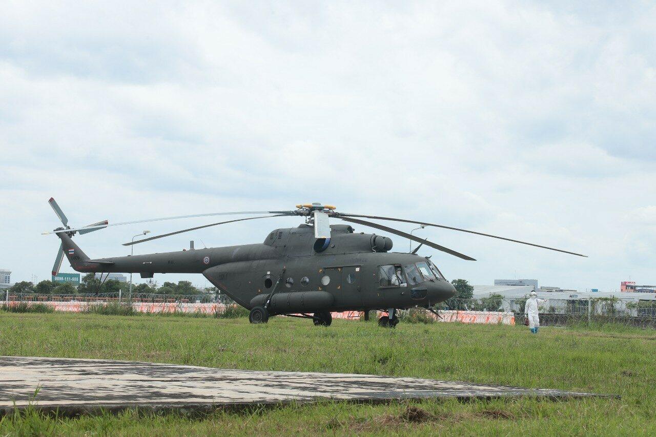 Российский вертолёт доставляет ковид-пациентов в Таиланде